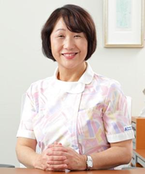 看護部長 鈴木 美恵子