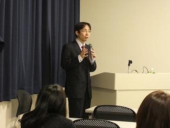 坂口公祥先生講演の様子