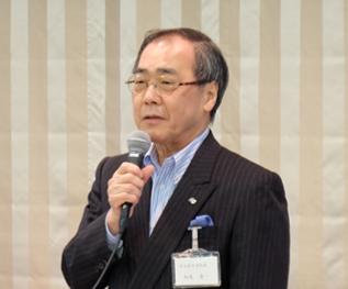 代表校挨拶をする名古屋大学松尾総長